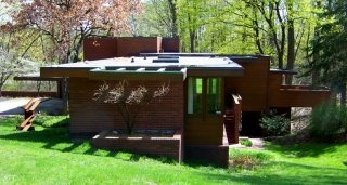 Frank Lloyd Wright homes to see next time I visit Detroit.