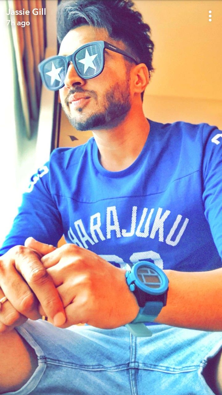 Nice Pic Famous Singers Jassi Gill Stylish Boys