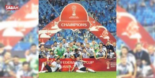 Almanya şampiyon: FIFA Konfederasyonlar Kupası'nda şampiyon Almanya... Turnuvaya son dünya şampiyonu unvanı ile katılan Panzerler, final maçında Güney Amerika'nın en büyük kupasını üst üste iki kez kazanan Şili'yi 1-0 yendi....