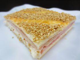 Sencillísima empanada de hojaldre de jamón y queso , mas facilita no puede ser! Con Thermomix .