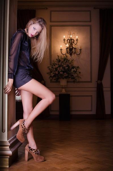 ♥☮♡ AW 2013 CAMPAIGN ♥☮♡ |   ♥☮♡ Campaña Otoño Invierno 2013 ♥☮♡    Model: Natalí Colugnatti STY: Avant-Garde Studio Make-up: CM Make Up Studio | Carina Maidana Make Up PH: SMI Fotografía   VALENTINA COLUGNATTI | REAL SHOES www.valentinacolugnatti.com.ar Facebook: http://www.facebook.com/valentinacolugnattishoes Twitter: http://twitter.com/valentinacshoes Pinterest: http://pinterest.com/valentinacshoes/ Instagram: valentinacolugnattishoes E-Store: http://valentinacolugnattishoes.tumblr.com/