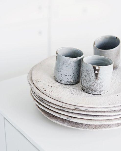 : Ceramics Design, Handmade Pottery, Diy Fashion, Rustic Looks, White Dishes, Paper Clay, Ceramics Tableware, Pottery Studios, Design Blog