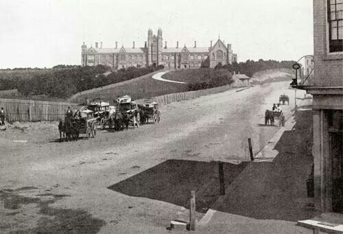 Sydney University viewed from Parramatta Rd and Bay St in 1870.Photo from Mitchell Library.A♥W