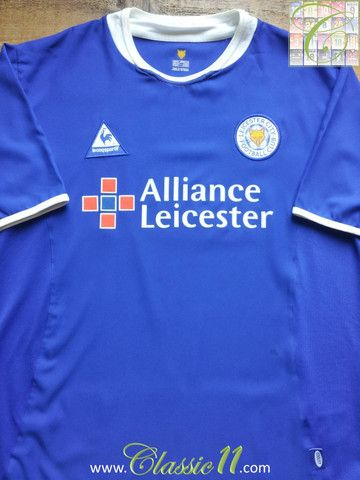 Relive Leicester City's 2003/2004 season with this vintage Le Coq Sportif home football shirt.