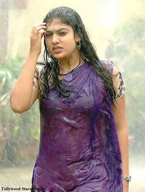 wet sarees | ... Actress Spicy Wet Saree Photos | Telugu Heroins Spicy Wet Saree Stills