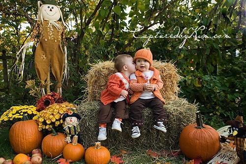 Fall Photos.. Pumpkin patch mini shoot. ideas for fall