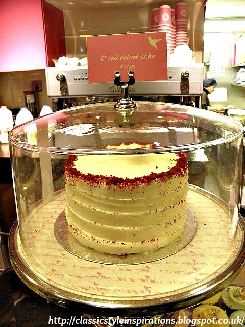 The Humming Bird bakery - Notting Hill, London and sweet memories of my visit.  Red Velvet Cake, I miss you!