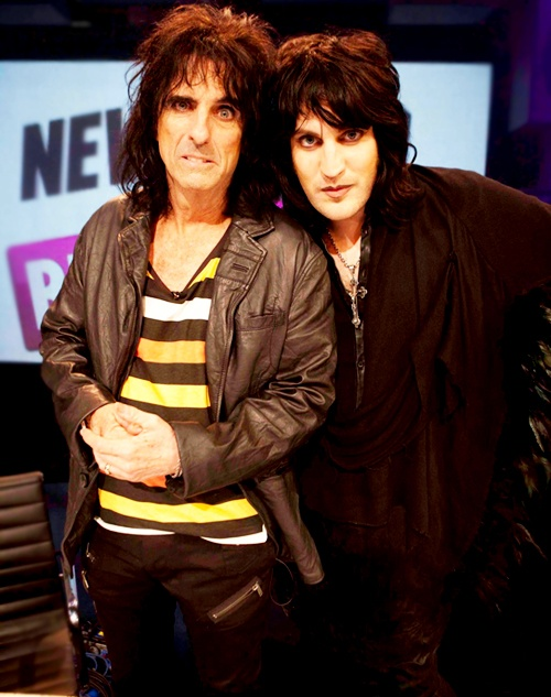 Alice Cooper and Noel Fielding on Never Mind the Buzzcocks. One of my most favorite episodes.