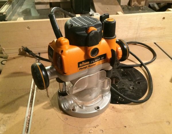 Routers are indispensable for a power tool workshop. Use this router buying guide to determine which kind of router is for you.
