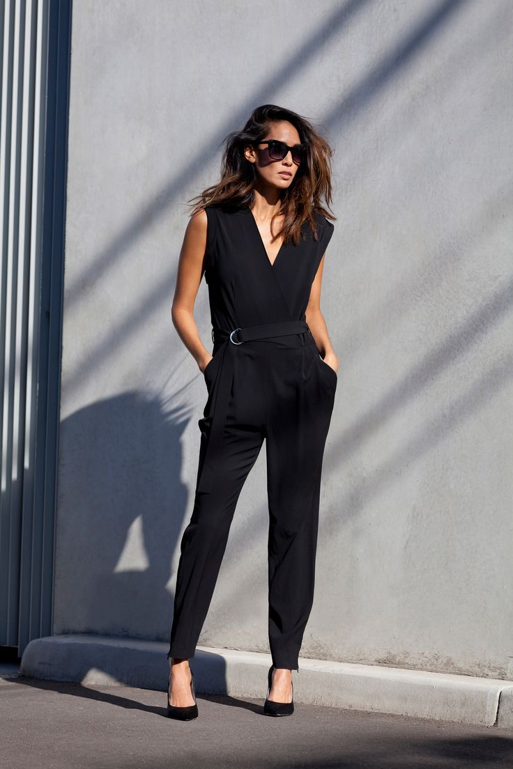 Image from https://m.witchery.com.au/images/assetimages/blog/2014/07/Lindy%20Klim%20Transeasonal/LindyKlim_Witchery-StyleCollective-12.jpg.