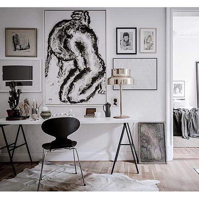 Beautiful styled apartment ✨@bjurfors_goteborg photo: Alen Cordic #lägenhettillsalu #göteborg #apartmentforsale #decor #blacknwhite #homeoffice #kontor #homedecor #homestyling #decoration #lighting #bumling #heminredning #interior #design #home #interioroftheday #homedeco #beautiful #details #art #antik #arkitektur #love #interior4all #instagood #inspiration #interiordesign