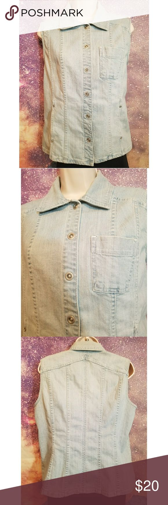 Chico's Platinum Sleeveless Denim Jacket Vest Chico's Platinum Sleeveless Denim Jacket Vest Size 1 Excellent Condition Chico's Jackets & Coats Jean Jackets