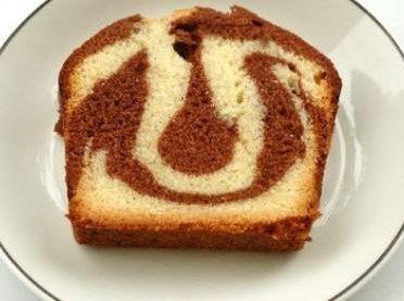 """750g vous propose la recette """"Cake marbré facile"""" notée 4.1/5 par 850 votants."""