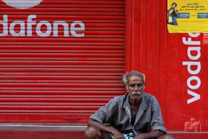 Vodafone India confirms it is merging with Idea Cellular to form Indias largest telco