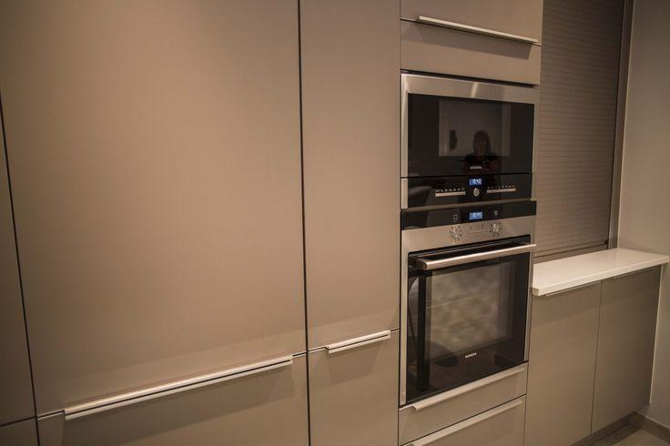 ... Keuken op Pinterest - Rode Keukenmuren, Eiken Keukenkast en Muren Van