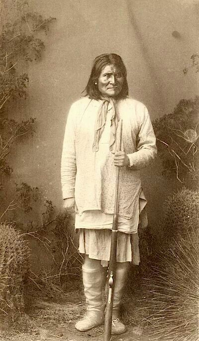 Geronimo. Chiricahua Apache. 1887. Arizona. Photo by Frank A. Randall. Source - Smithsonian National Museum of the American Indian.