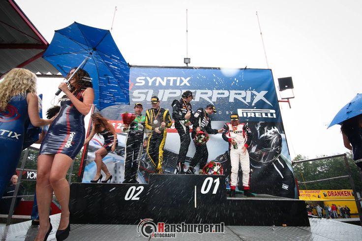Champagne shower op circuits Zolder! #Gridgirls #Vip-Promo #Syntix #Formido #Supercar Challenge #Promotie dames #Latex promo