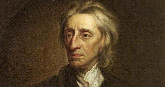 John Locke was een Engelse filosoof die leefde van 1632 tot 1704. Locke vond dat elk mens gelijk is en elk mens al vanaf de geboorte rechten heeft, die noemde hij natuurrechten. volgens Locke moet er een goede leider zijn die mag regeren in opdracht van het volk. in ruil hiervoor krijgt de leider macht. als de leider niet naar het volk luistert, mag het volk in opstand komen