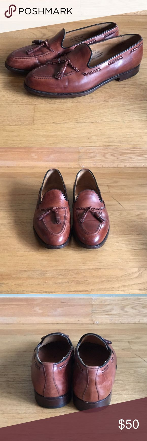 ROYAL TWEED Brown leather loafers with tassels. Gently used, benchcrafted in England, Authentic ROYAL TWEED brown loafers, Premium Grade Leather. Harry Tassel Style. Royal tweed Shoes Loafers & Slip-Ons