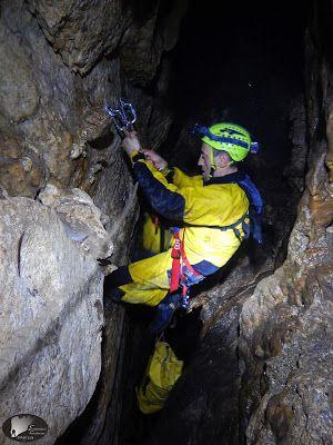 Rigging a cave, Drama, Greece