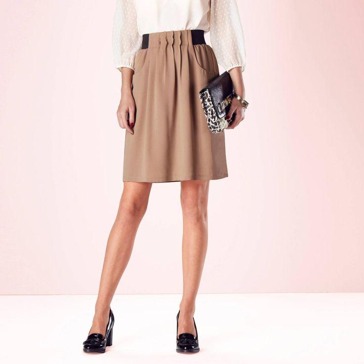 simple et chic une jupe au genou porter avec un chemisier disponible jusqu 39 en taille 52 13. Black Bedroom Furniture Sets. Home Design Ideas