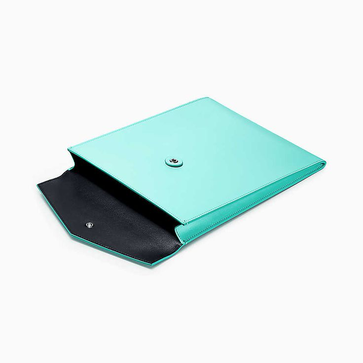 Interoffice envelope in Tiffany Blue® smooth calfskin leather, large.