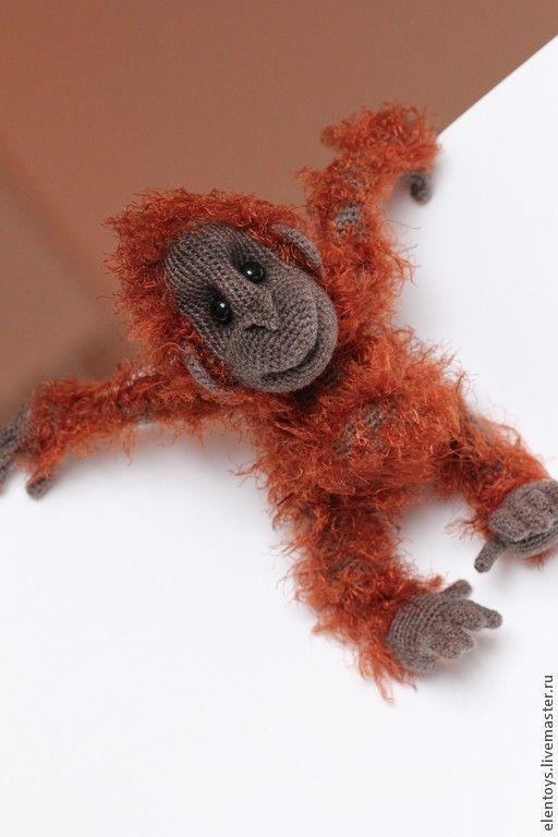 случай,вязаная обезьянка