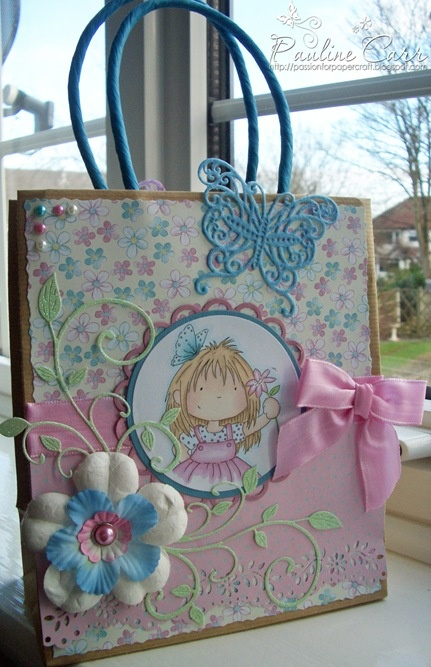 DIY gift bag... beautiful!