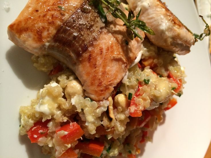Lachs mit Cashew-Quinoa-Salat