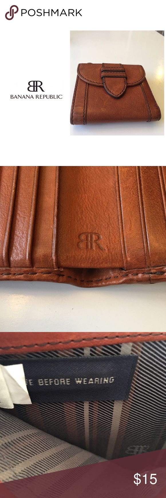 Banana Republic Wallet Soft authentic leather wallet - 10 credit card slots - two cash pockets - zipper change pocket - plaid interior - Great Condition Banana Republic Bags Wallets