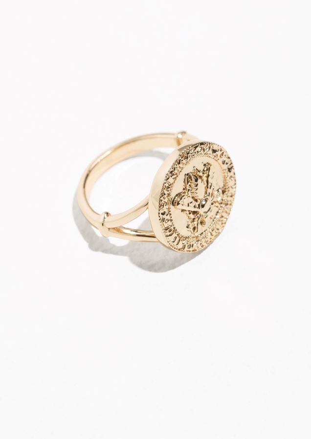 & Other Stories Bee Embossed Pendant Ring in Gold