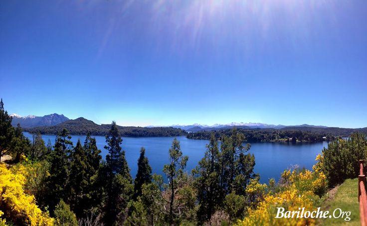 Que lindo día en Bariloche! Y que paisajes... Vista desde punto panorámico Circuito Chico.