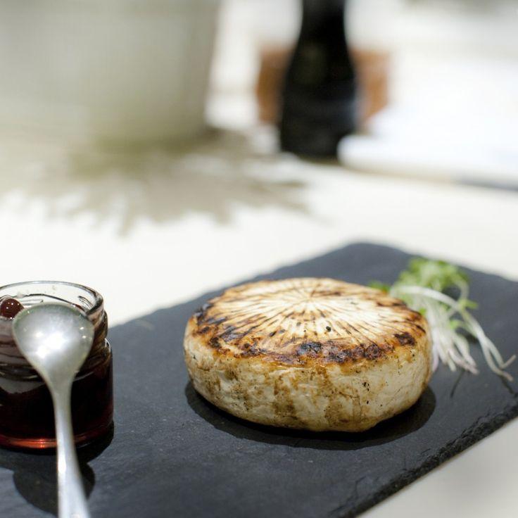 Επισκεφθήκαμε το Duck, το «κρυμμένο μυστικό» της Θεσσαλονίκης που σερβίρει εξαιρετικό καλομαγειρεμένο φαγητό με έμφαση στις πρώτες ύλες.