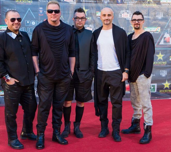Band: Voltaj Designer: Madalina Dorobantu - Pas du Tout