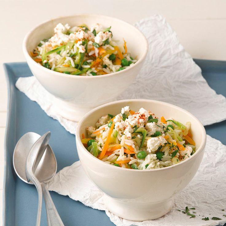 Een heerlijke groentenrijst met feta die je in een 15 minuten op tafel zet! #WWrecepten #SnelKlaar