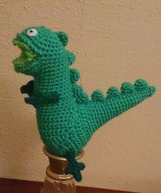 Dinosaurio de George Pigg Amigurumi - Patrón Gratis en Español aquí: http://tallerdemao.blogspot.com.es/2014/07/dinosaurio-de-george-pigg.html