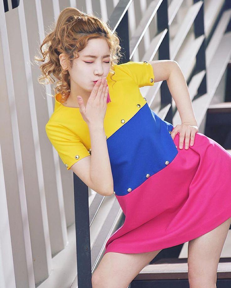 Twice-Dahyun [170524]  트와이스 다현 Naver Starcast - SIGNAL Behind Film