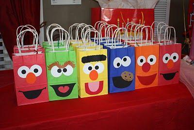 1st birthday party!: Kids Parties, Sesame Street, Treats Bags, Gifts Bags, Sesamestreet, Birthday Parties, Elmo Birthday, Favors Bags, Parties Ideas