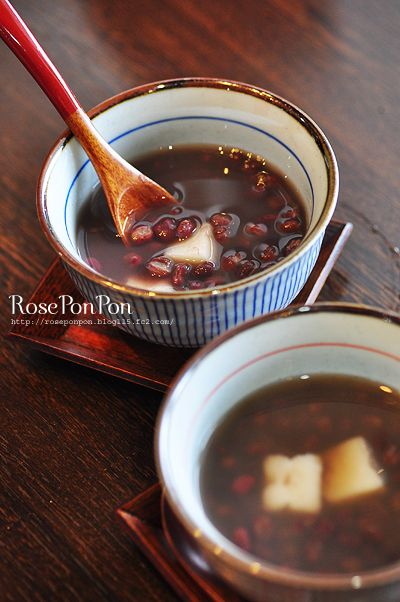 Shiruko - Japanese sweet red-bean soup お汁粉 I've been wanting this for a few days now...I'll make some thursday