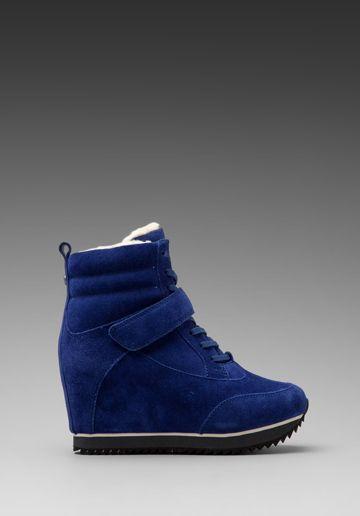 Koolaburra Snow Jog Wedge Sneaker In Sapphire Lady