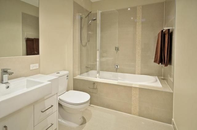 ensuite but with shower instead of bath
