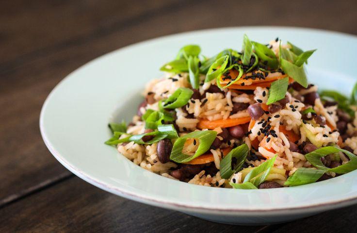 Würziger Azuki-Bohnen-Reissalat   Veganer Salat   Veganes Bohnenrezept   vegane Rezepte I Entdeckt von Vegalife Rocks: www.vegaliferocks.de ✨ I Fleischlos glücklich, fit & Gesund✨ I Follow me for more vegan inspiration @vegaliferocks