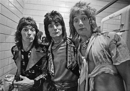 Aqui algunas fotos que recopilé en la red de algunos rockeros y musicos famosos, sólo para fanáticos... Michael, Freddy & John Deacon (bajista de Queen). Queen. The Beatles y Mohammed Ali. Ozzy Osbourne. Elvis y B.B. King. Brian Jones(Guitarra...