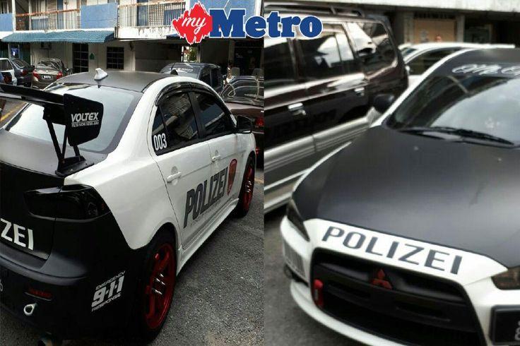 Pakai pelekat POLIZEI polis sita kereta dan tahan pemandu   Polis menahan lelaki berusia 23 tahun dan menyita kereta dipandu yang ditampal dengan perkataan Jerman POLIZEI yang bermaksud polis selepas ditahan Jalan Lembah Jaya Ampang semalam.  POLIZEI  Ketua Jabatan Siasatan dan Perundangan Trafik Selangor Superitenden Kamaludin Mohamad berkata lelaki berusia 23 tahun terbabit ditahan unit kereta peronda (MPV) yang membuat rondaan di kawasan berkenaan selepas mendapati kereta model Mitsubishi…