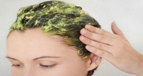 Pour des Cheveux Plus Longs et Plus Volumineux il Suffit De Mettre Cet Ingrédient une Fois Par Semaine | Coiffure simple et facile