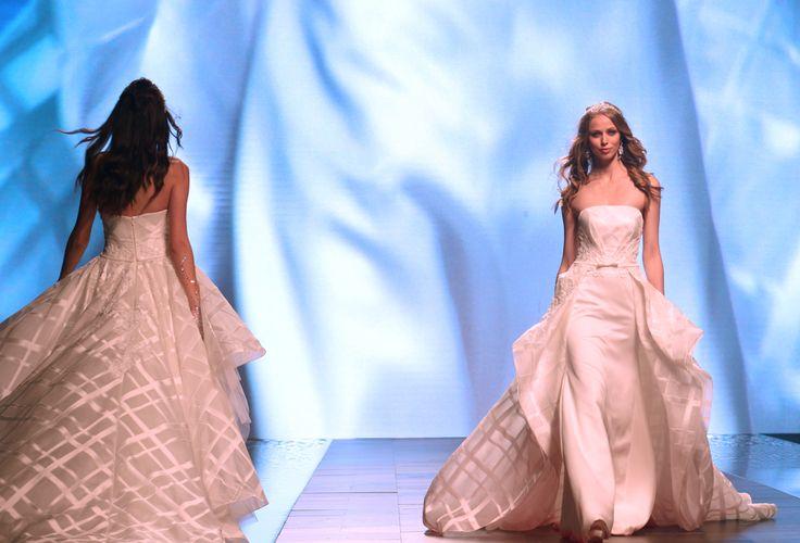 Alessandra Rinaudo 2016 collection  #RomaFashionShow #2016collection #collections #fashion #bride #brides #bridal #wedding #weddingdress #nicole #colet #jolies #romance #nicolespose #AlessandraRinaudo www.nicolespose.it