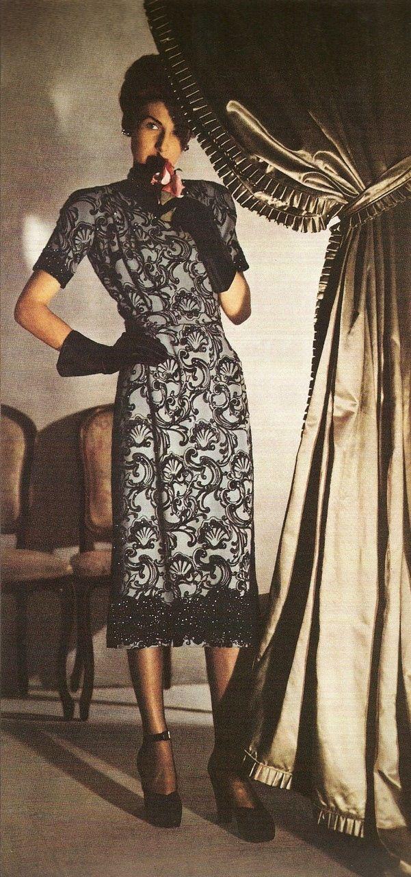 Harper's Bazaar 1940s, Photo Louise Dahl-Wolfe. Michelle Obama's recent dress reminds me quite a bit of this.