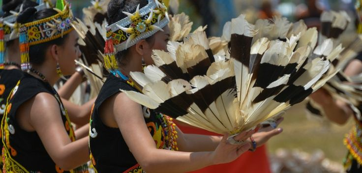 Dance performance Isen Mulang Festival