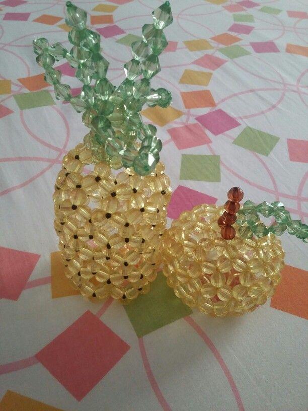Frutas en abalorios ...piña y naranja
