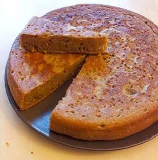 Esta es una receta ideal para las personas que disfrutan de un buen pastel de zanahoria pero no tienen horno o prefieren hacer una versión más fácil de este delicioso postre.